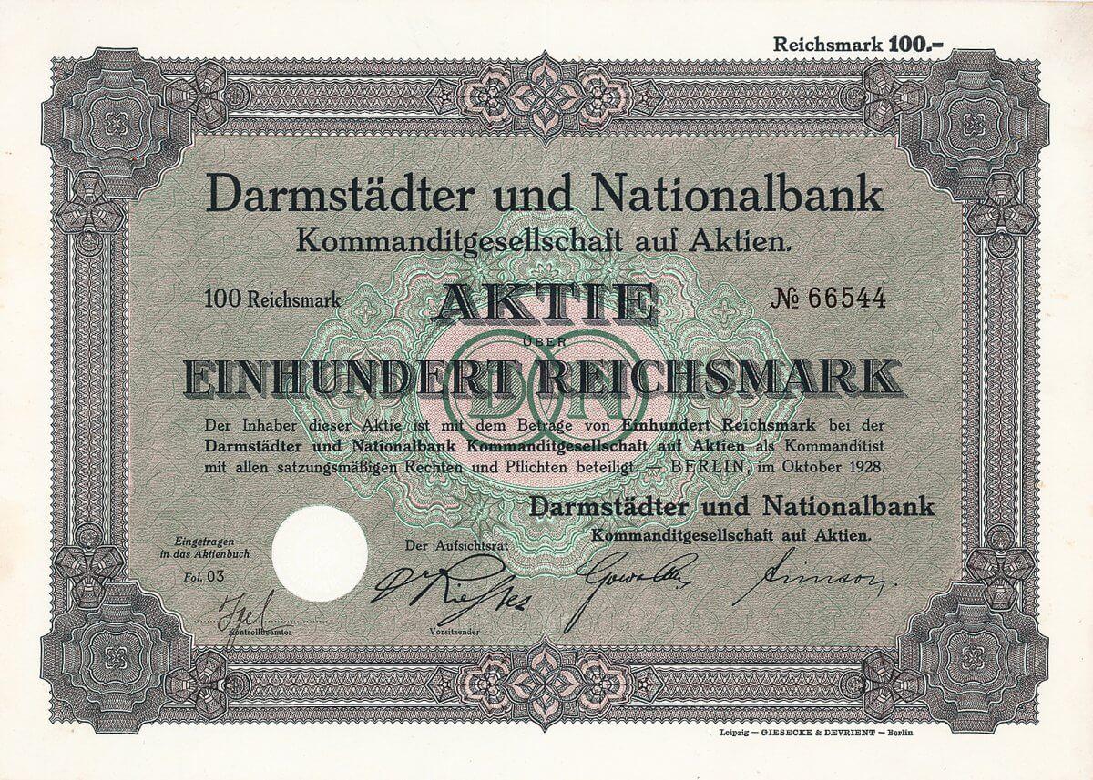 Darmstädter und Nationalbank KGaA, Berlin, Aktie von 1928. Die DANAT-Bank hatte sich in der Weltwirtschaftskrise mit Kreditgewährungen zu weit aus dem Fenster gelehnt. Als einer ihrer Großkunden, der berühmt-berüchtigte Bremer NORDWOLLE-Konzern, fallierte, riß das die Bank mit in den Abgrund. Der Zusammenbruch der DANAT-Bank war der Kristallisationspunkt enormer wirtschaftlicher Turbulenzen in der Weimarer Republik, die mit dem dadurch verursachten Elend breiter Schichten in letzter Konsequenz zur Machtergreifung durch Hitler führten.