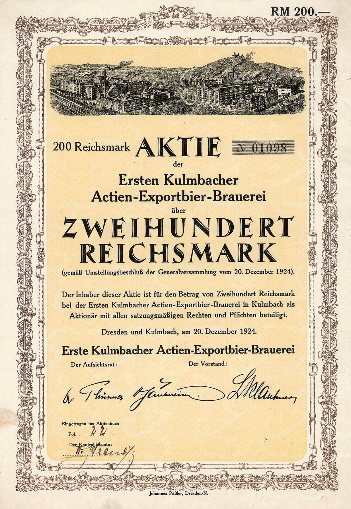 Erste Kulmbacher Actien-Exportbier-Brauerei, Dresden und Kulmbach, Aktie über 200 Mark von 1924. Gründung 1872 mit Sitz in Dresden, 1930 Sitzverlegung nach Kulmbach. 1997 übernahm der Lokalrivale Reichelbräu AG (Schörghuber-Gruppe) die Brauerei und firmierte sie dabei in Kulmbacher Brauereien AG um.