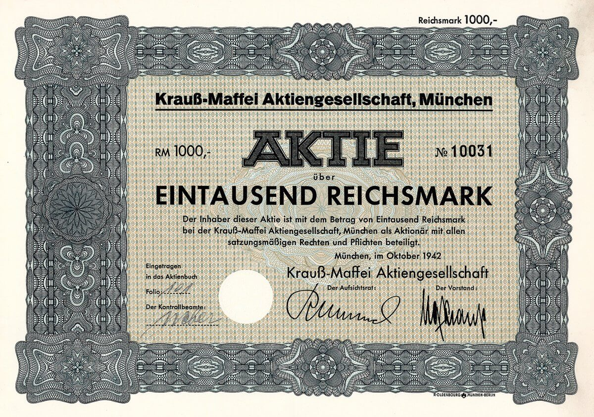 """1931 Fusion mit dem Konkurrenten J. A. Maffei AG (gegr. bereits 1838) zur """"Lokomotivfabrik Krauss & Comp. - J. A. Maffei AG"""". Produziert wurden Haupt- und Nebenbahnlokomotiven, Eisenbahnsicherungsanlagen und Werkzeugmaschinen im Werk München-Hauptbhf., Klein- und Industriebahnlokomotiven, und Torfgewinnungsanlagen im Werk München-Südbhf., außerdem Stahl- und Tempergiesserei in Allach bei München, wo zusätzlich ein ganz neues Werk für Lokomotiven errichtet wurde. 1940 umbenannt in Krauß-Maffei AG. Im 2. Weltkrieg mit der Deutschen Bank als Großaktionär komplette Umstellung auf Rüstungsproduktion, vor allem Panzer. Später gehörte Krauß-Maffei, die inzwischen Konsortialführer beim Bau des Leopard-Panzers geworden waren, über Buderus zum Flick-Konzern, 1989-96 dann stufenweise vom Mannesmann-Konzern übernommen und mit der DEMAG 1999 zur Mannesmann Demag Krauss Maffei AG fusioniert."""