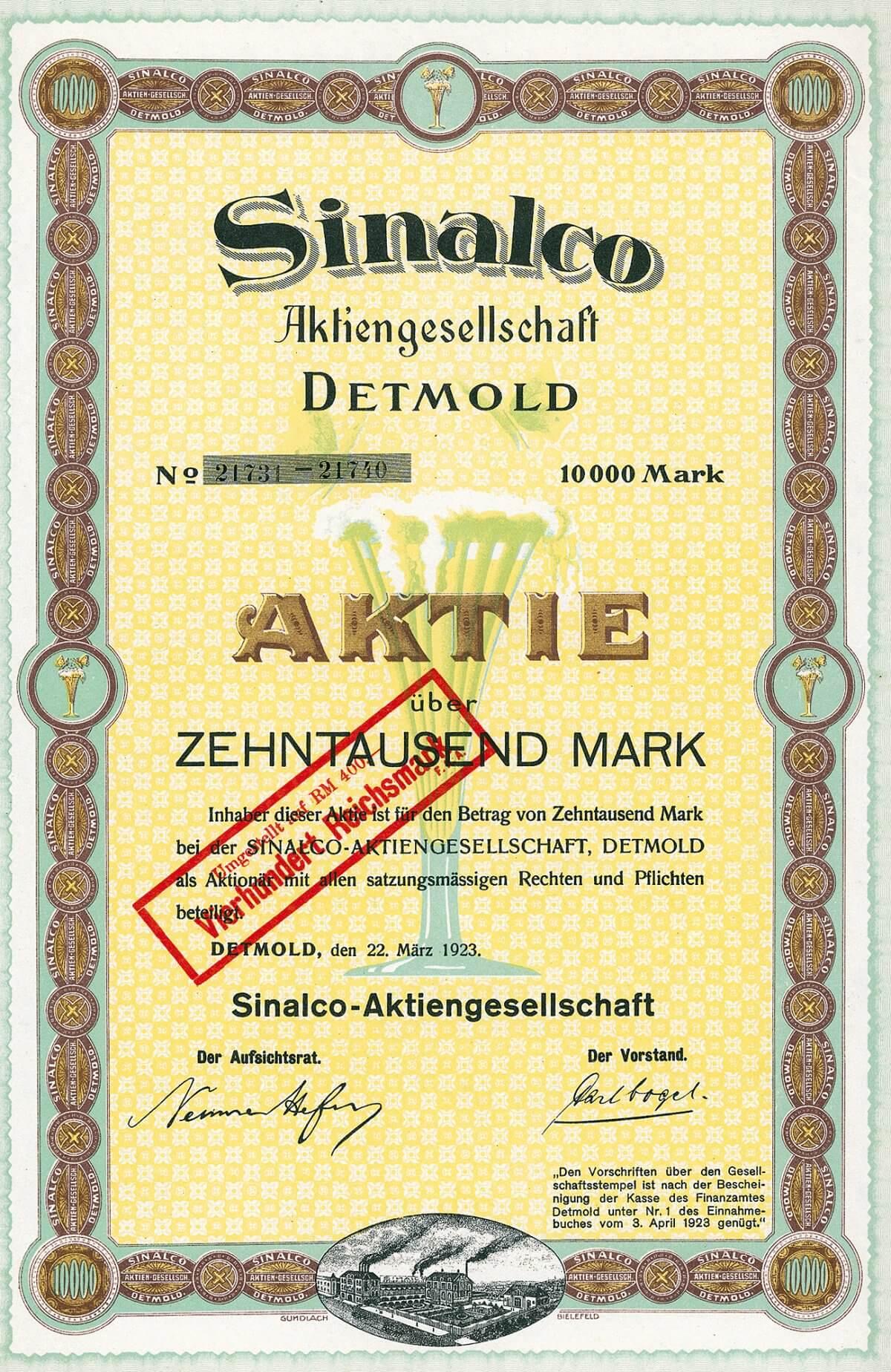 Sinalco-AG, Detmold, Aktie über 10.000 Mark von 1923. Herrliche, farbenfrohe Gestaltung mit dem schäumenden Erfrischungsgetränk und zwei Schmetterlingen im Unterdruck, Vignette mit Werksansicht.